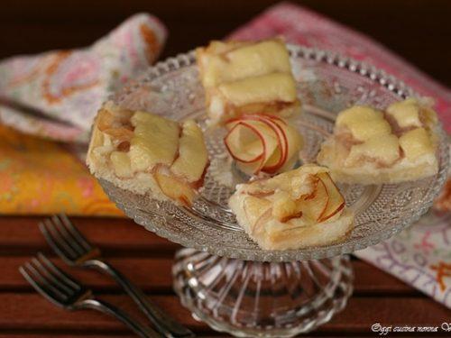 Canapè mele e fontina