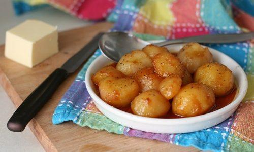 Patate caramellate danesi o brunede kartofler