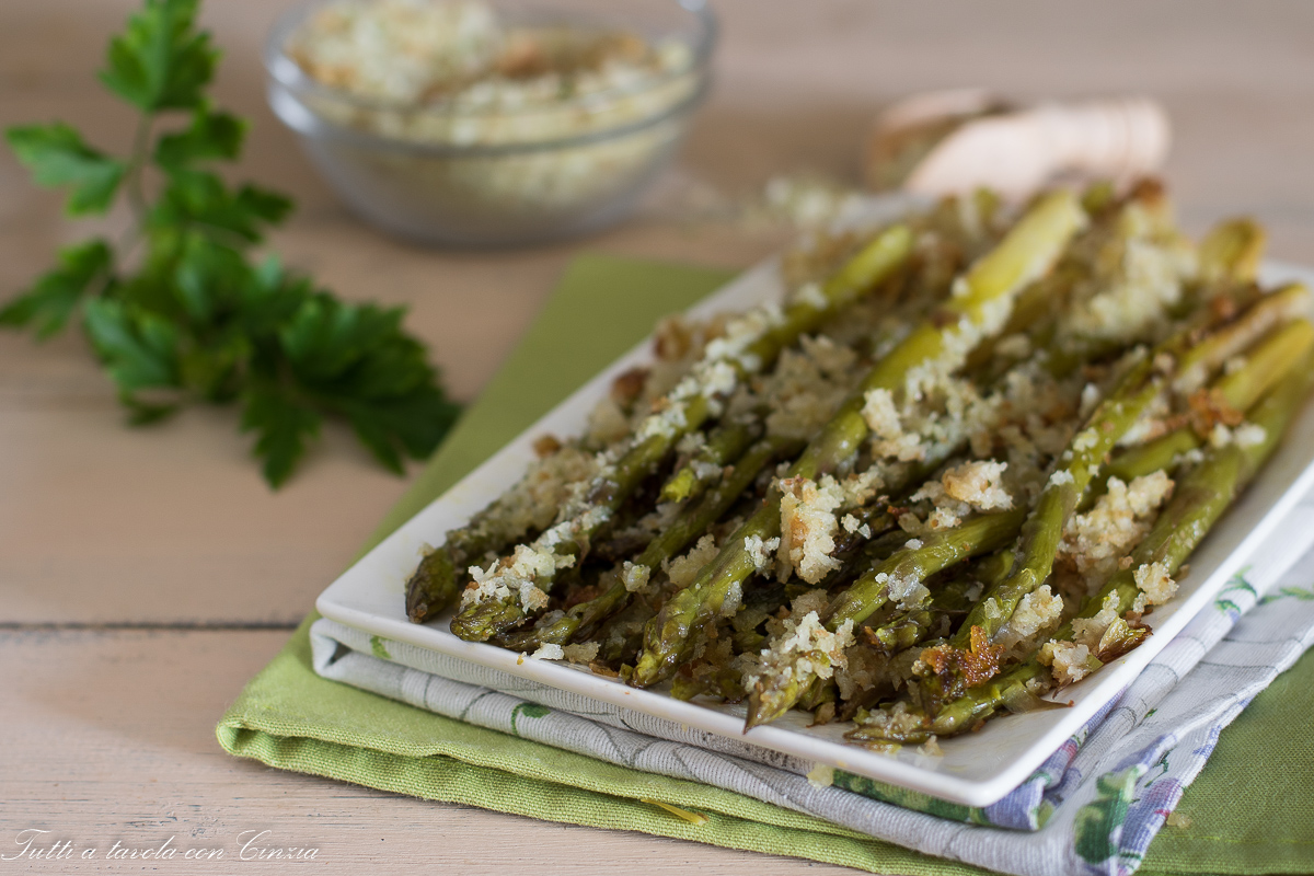 Ricetta Asparagi Verdi In Padella.Asparagi Gratinati In Padella Con La Crosticina Croccante Senza Forno