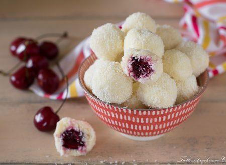 Palline dolci cuore di ciliegia