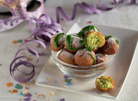 Castagnole di ricotta al pistacchio
