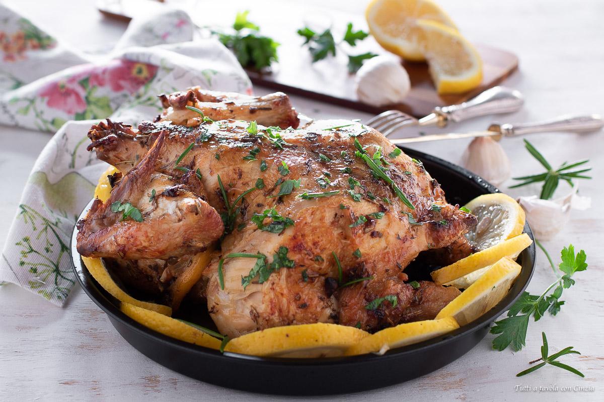 Pollo arrosto friggitrice ad aria o forno