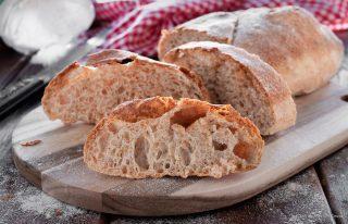 pane fatto in casa croccante