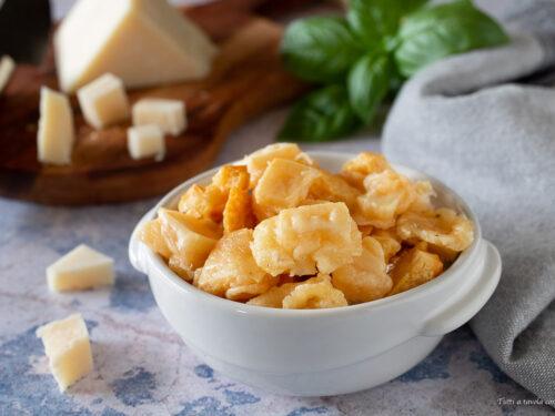Croste di formaggio soffiate