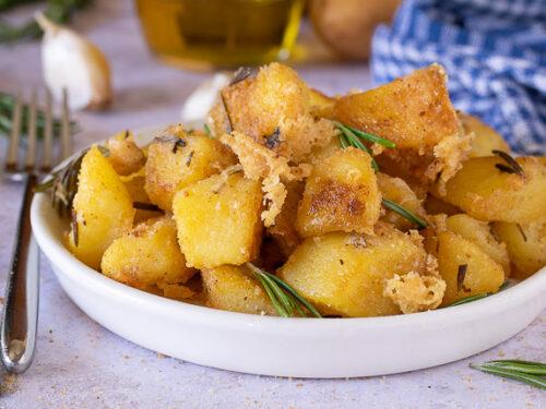Patate in padella con pangrattato