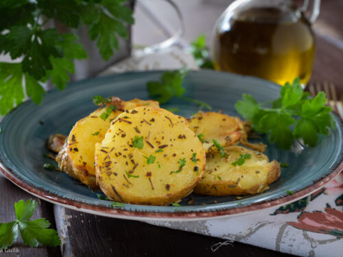 Patate speziate in padella