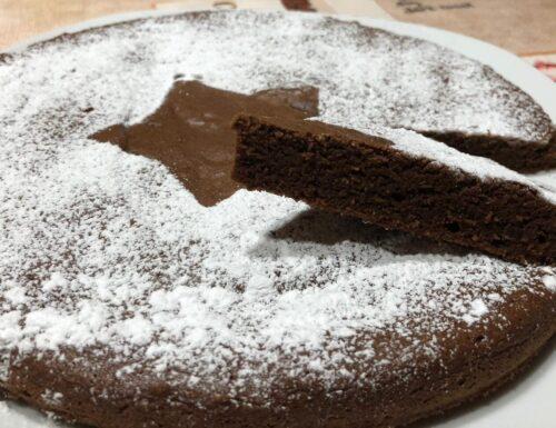 Torta semplice al cioccolato tenerina