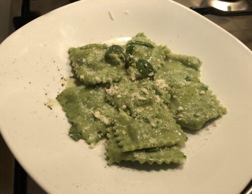 Ravioli verdi con ricotta e spinaci