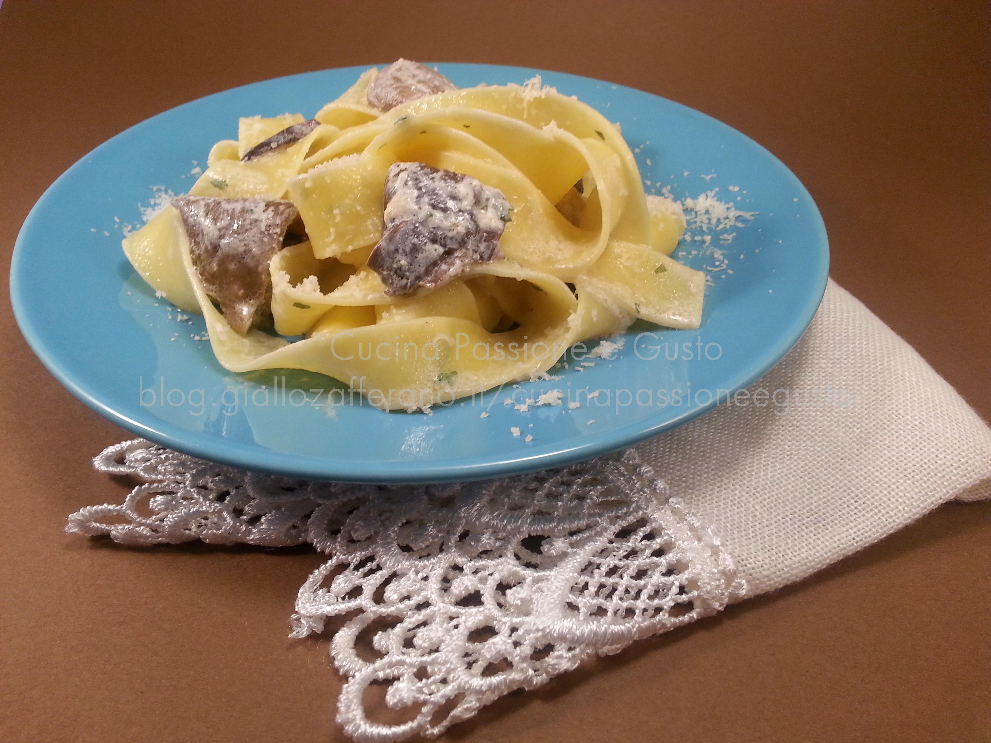 Pappardelle ai funghi porcini e gorgonzola