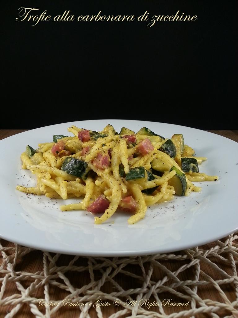 Pasta alla carbonara di zucchine e pancetta
