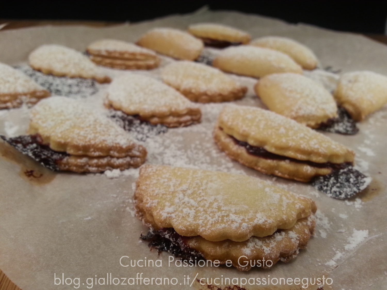 Biscotti cuor di fragola e zenzero