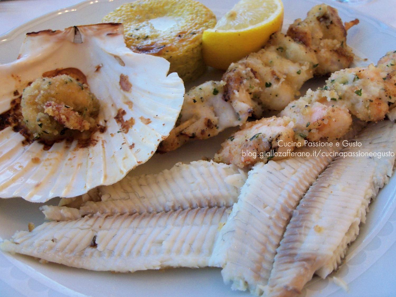 Grigliata mista di pesce al forno al pesto di pistacchi
