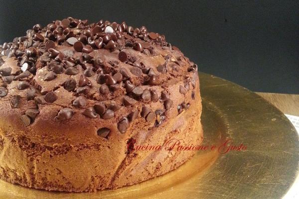 Torta al cioccolato fondente e panna