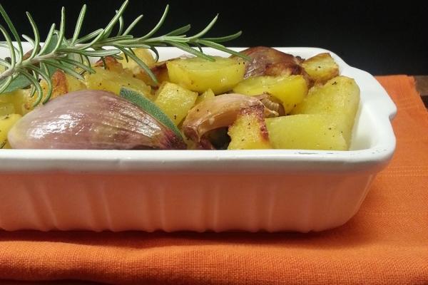 Patate al Forno con Burro ed Erbe Aromatiche
