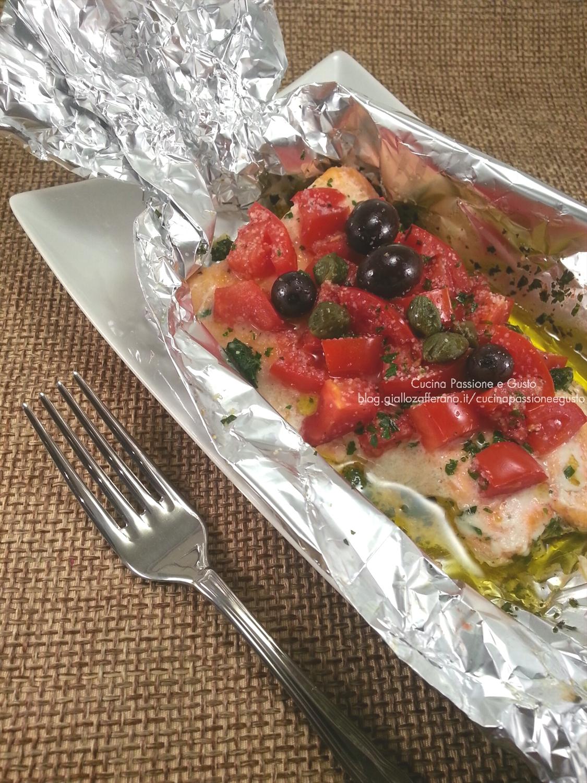 Filetto di trota salmonata con pomodorini al cartoccio