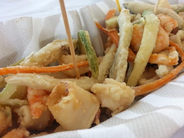 Frittura di pesce e verdure in tempura di champagne