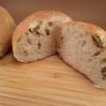 Panini fatti in casa all'olio e olive
