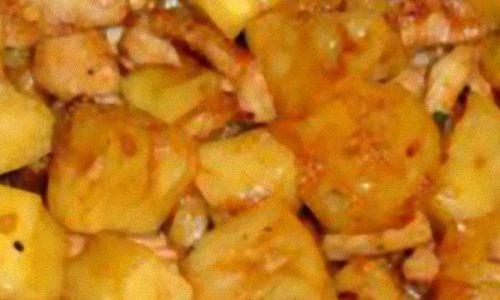 Pollo con ananas e anacardi
