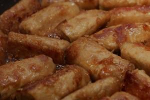 Involtini di pollo ripieni con speck e fontina al Valpolicella