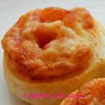 Spirali di pastasfoglia con prosciutto cotto e formaggio
