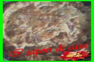 Tortino di pasta sfoglia con porri e salsicce