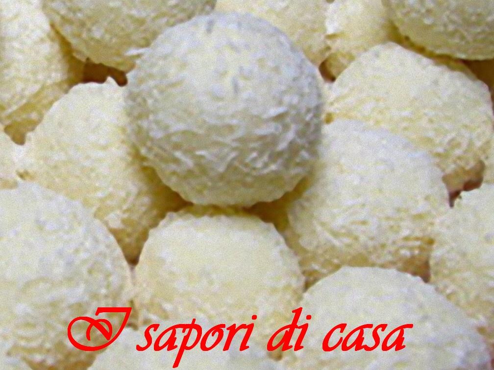 Raffaello fatti in casa ricetta dolce - Faretti in casa ...