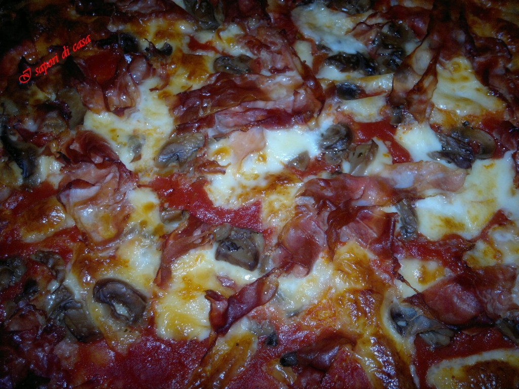 14012012425 1024x768 Pizza prosciutto e funghi