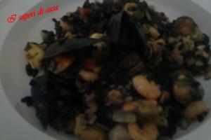 Riso venere ai frutti di mare e gamberetti
