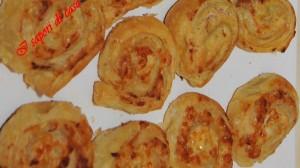 gi2 300x168 Spirali di pasta brise salate ai formaggi e salumi
