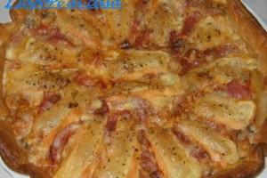 Torta salata con pancetta funghi e taleggio