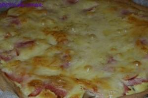 Torta salata al prosciutto cotto e porri