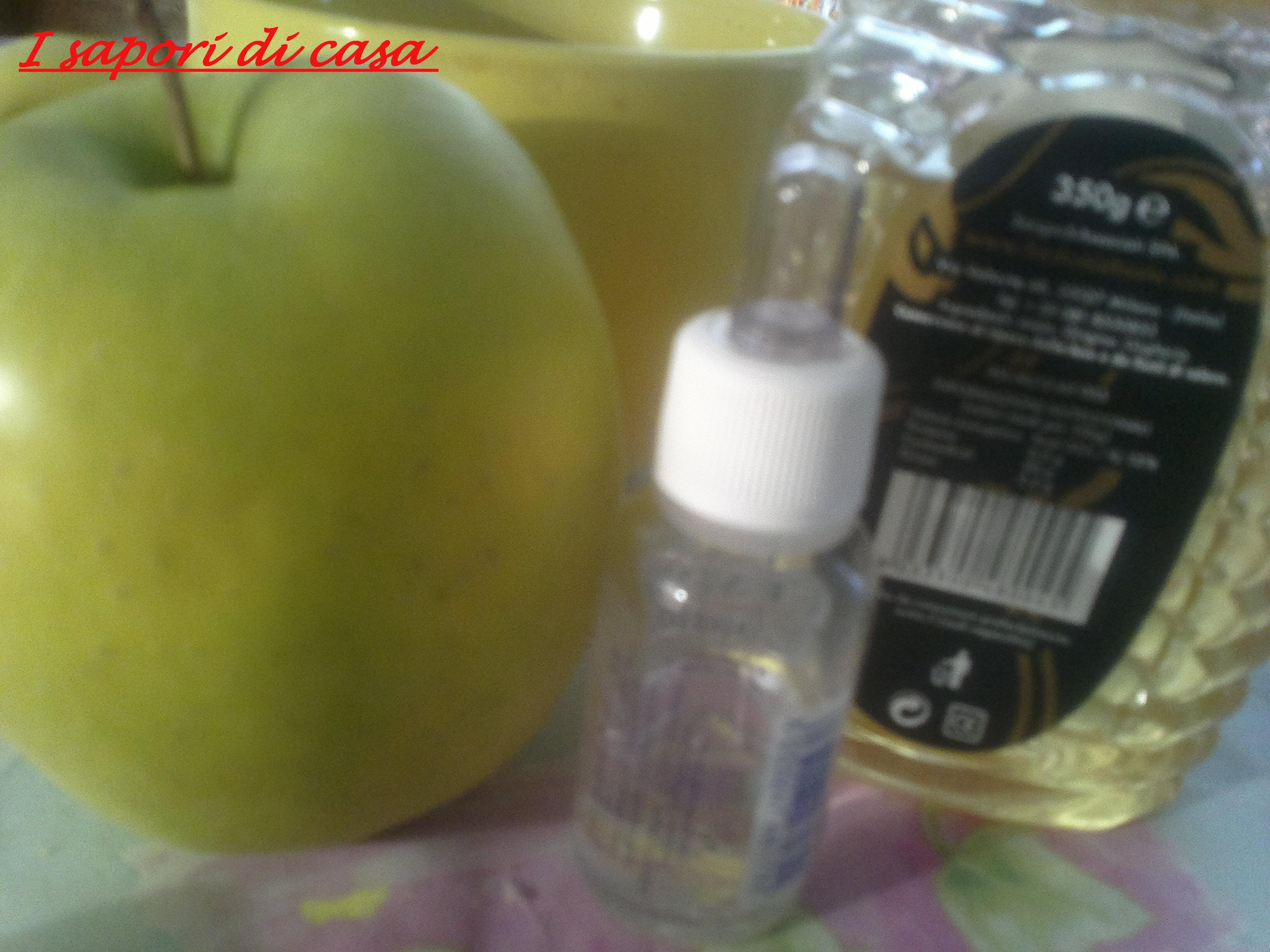 Maschera nutriente per capelli alle mele