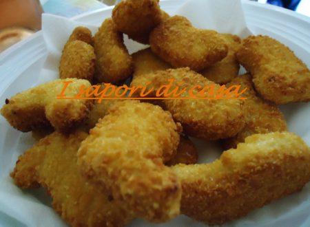 Pepite di pollo golose in crosta di patatine
