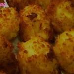 Crocchette di patate al forno con cuore filante di scamorza