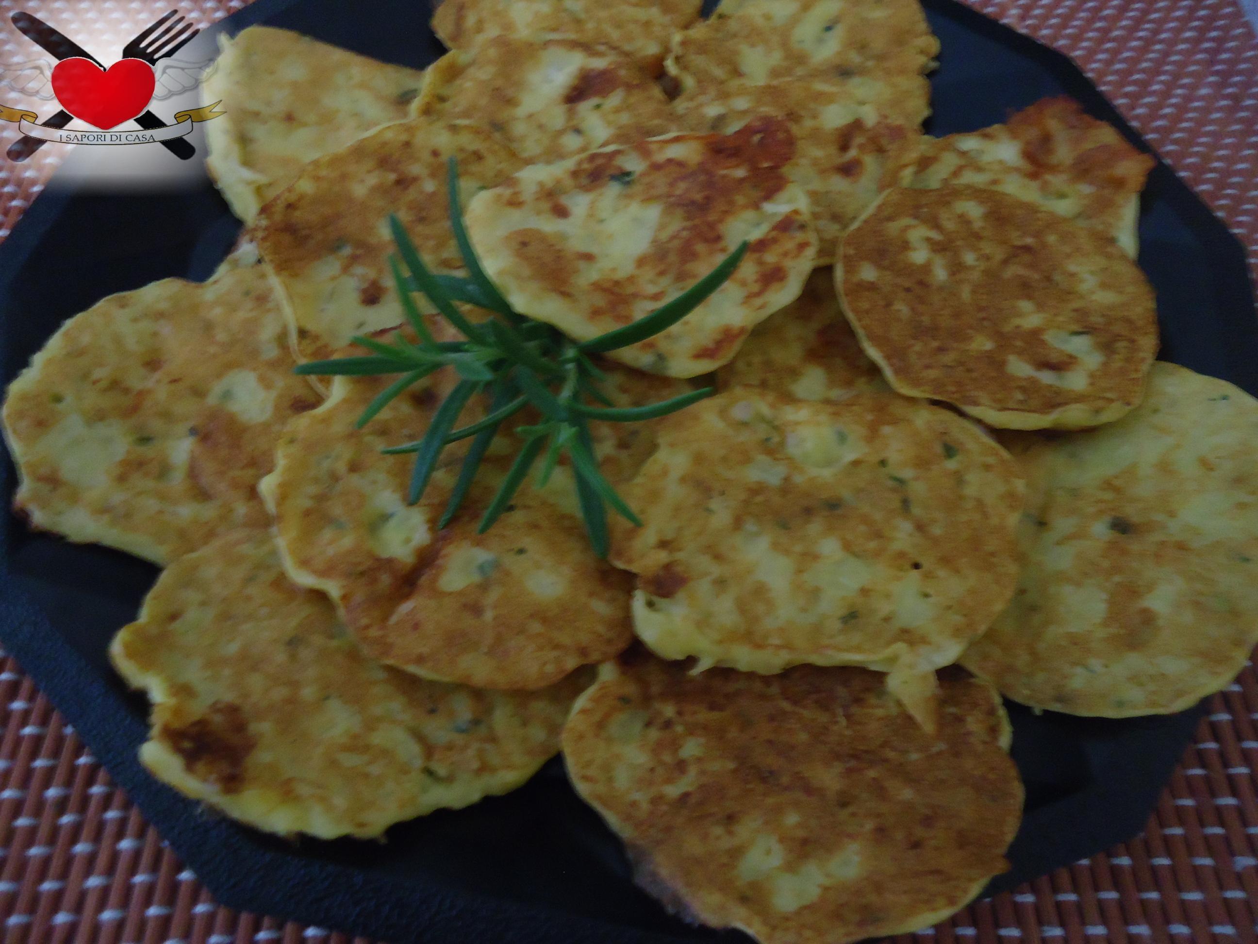 frittelle con patate e taleggio alla piastra