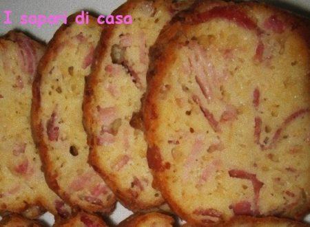 Plumcake salato con prosciutto cotto e formaggio