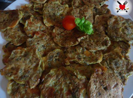 Frittelle alla piastra con champignon e primosale al pepe