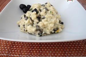 Risotto con scamorza affumicata e olive nere
