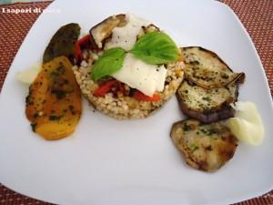 Orzo freddo con verdure grigliate e asiago