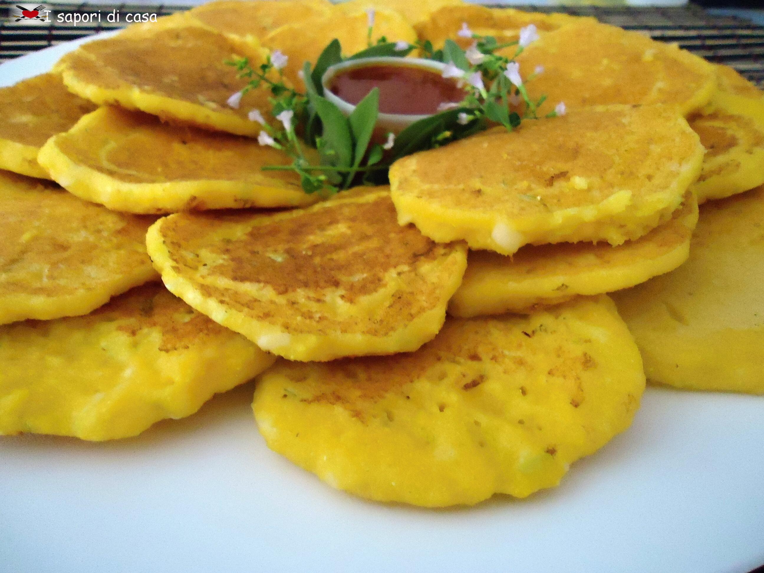 Blinis di mais con salsa agrodolce alla paprika e zenzero