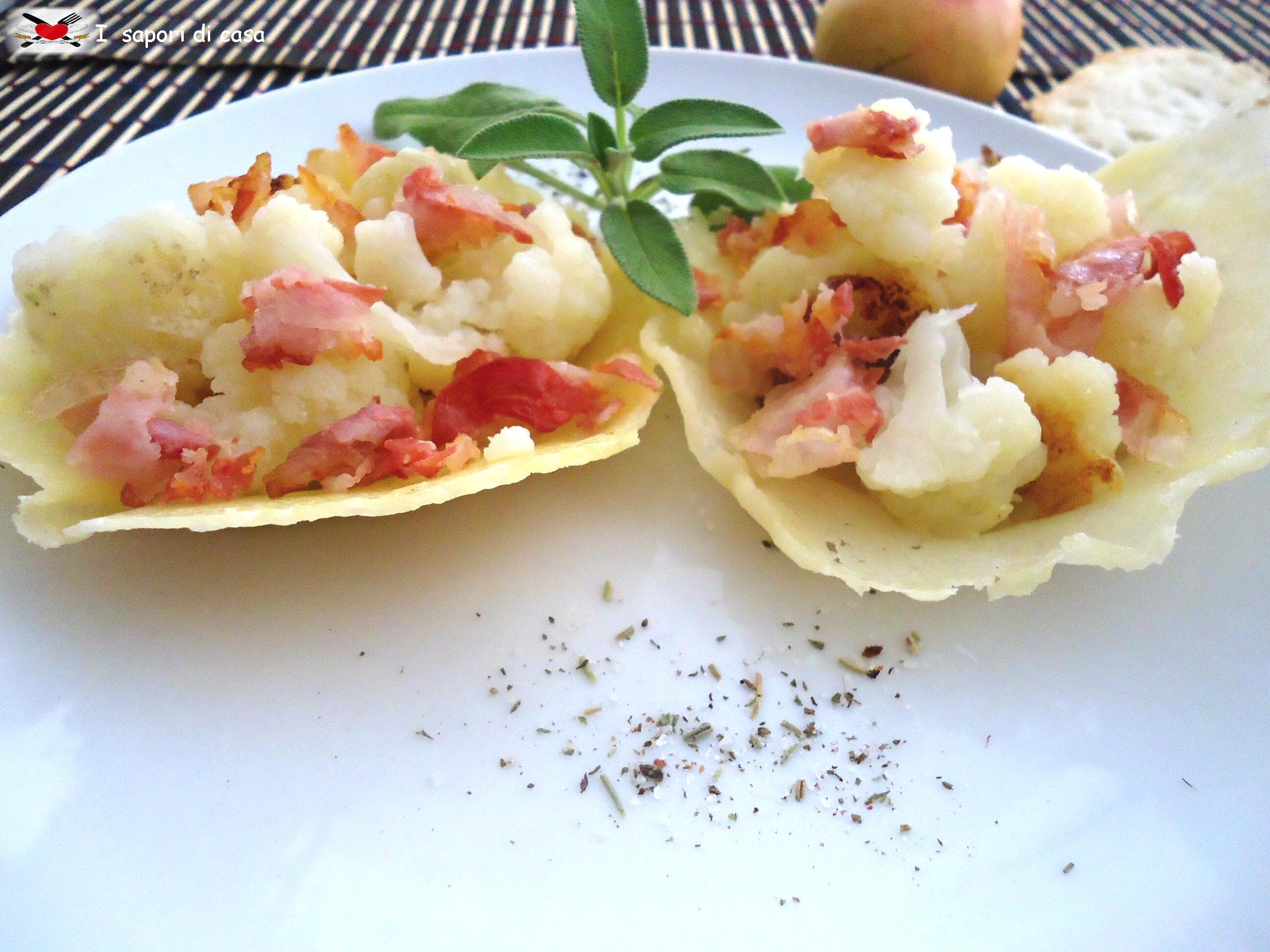 Cestini di grana con cavolfiori gratinati e pancetta croccante