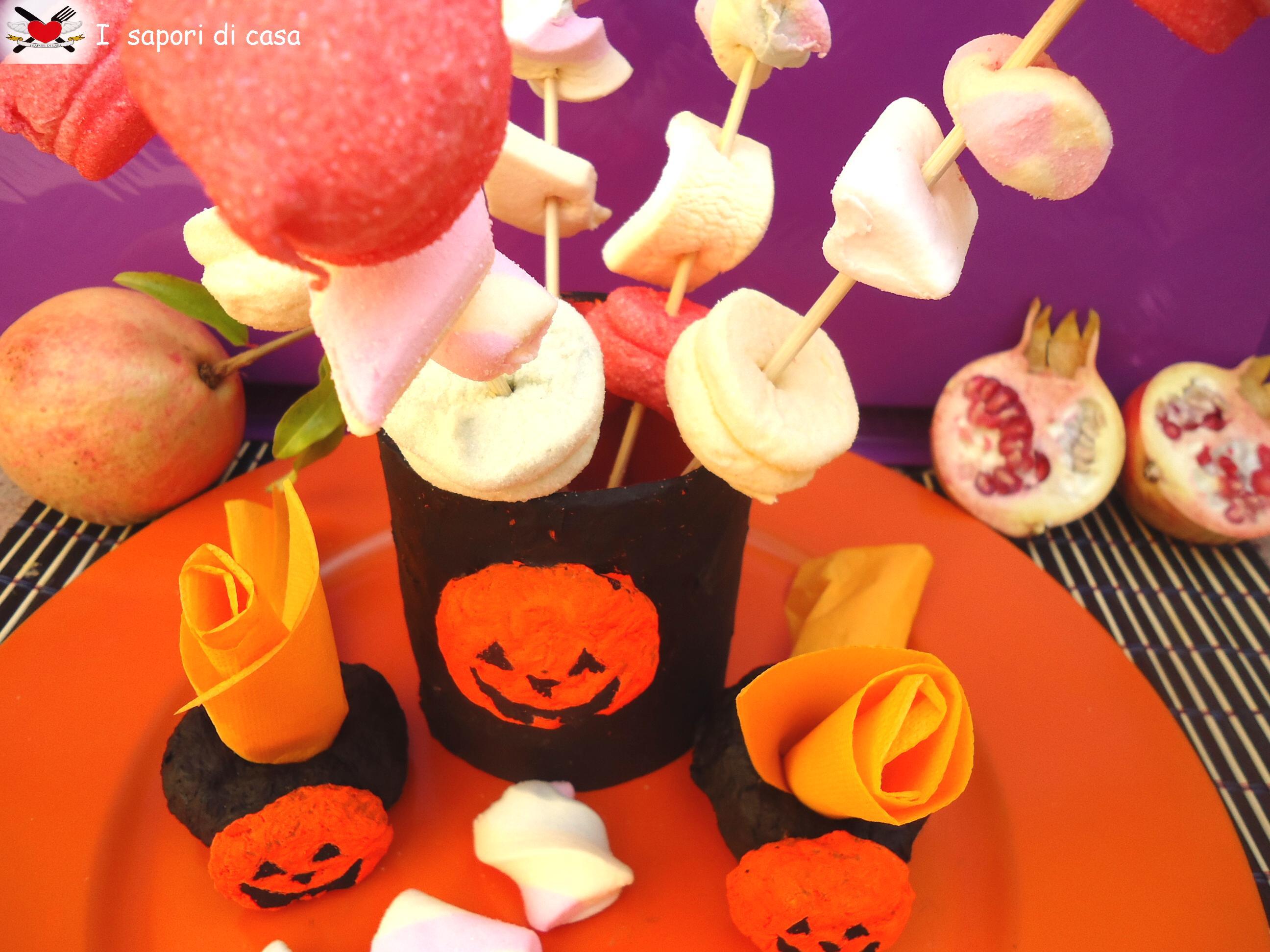 Centrotavola e portatovaglioli in cartapesta per Halloween