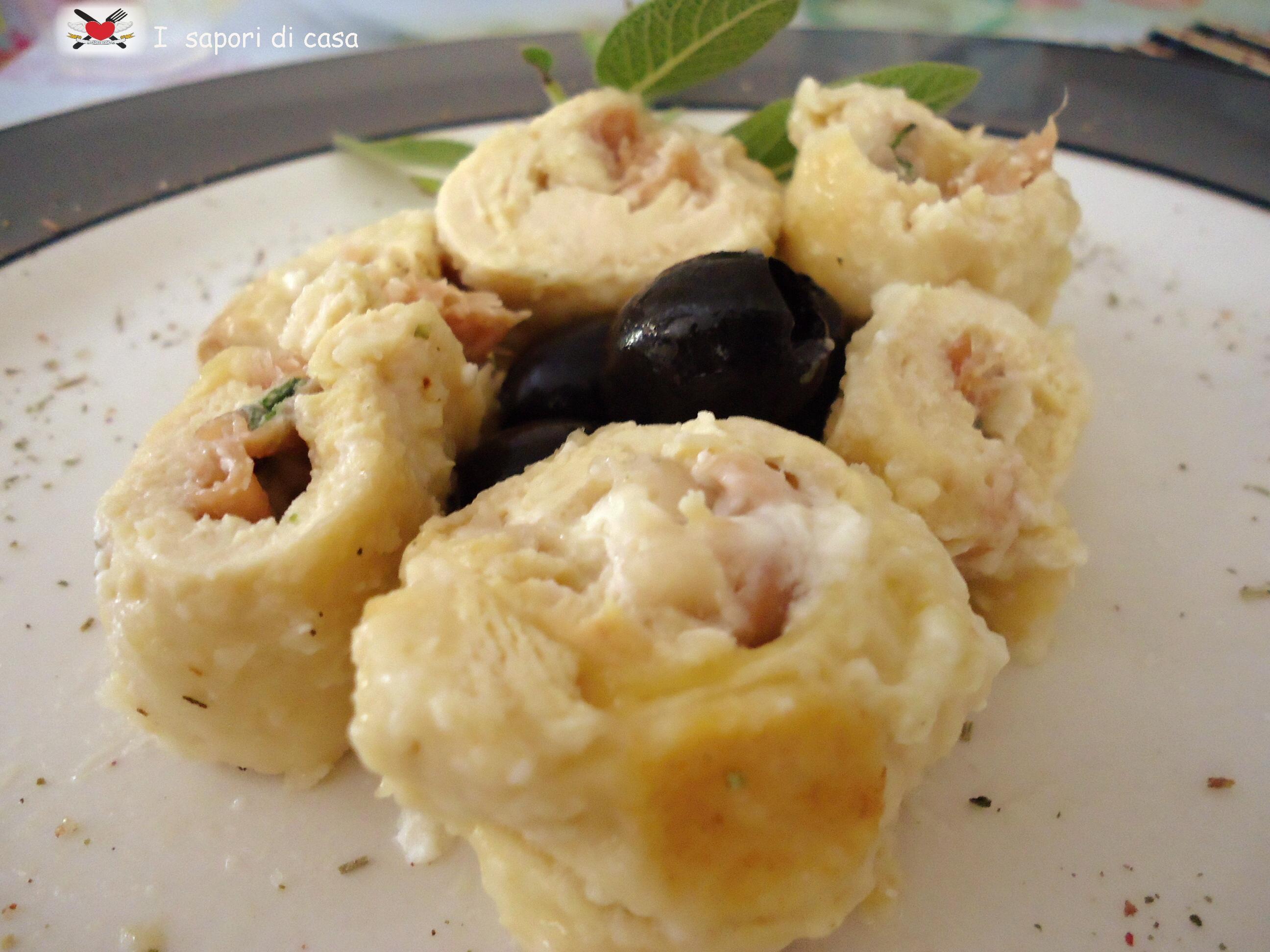Rotolini di pollo ripieni di prosciutto crudo e formaggio