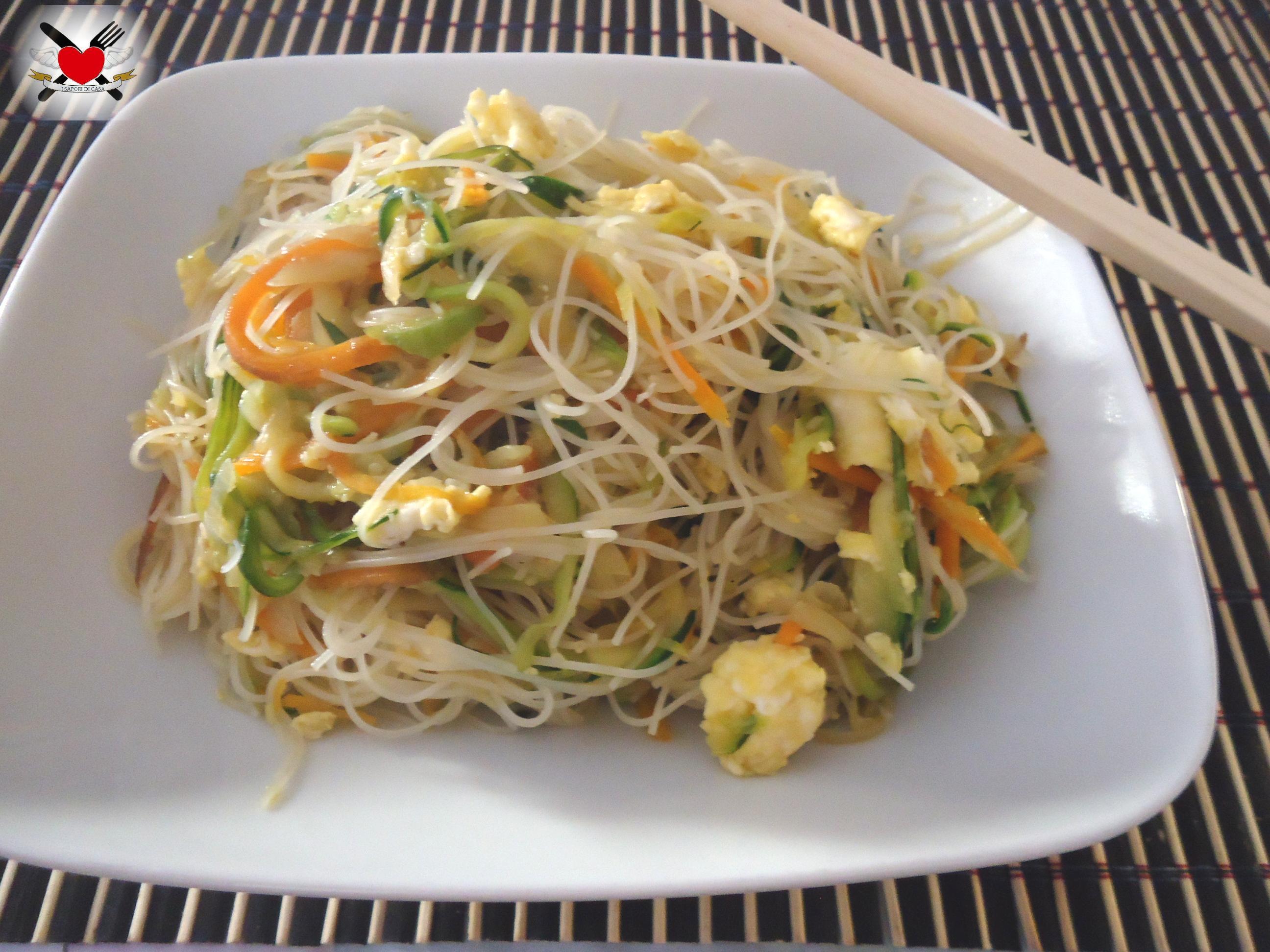 Spaghetti di riso senza cottura con verdure saltate for Ricette cinesi