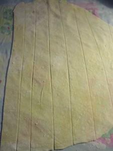 DSC06153 225x300 Come fare gli strozzapreti   ricetta pasta base