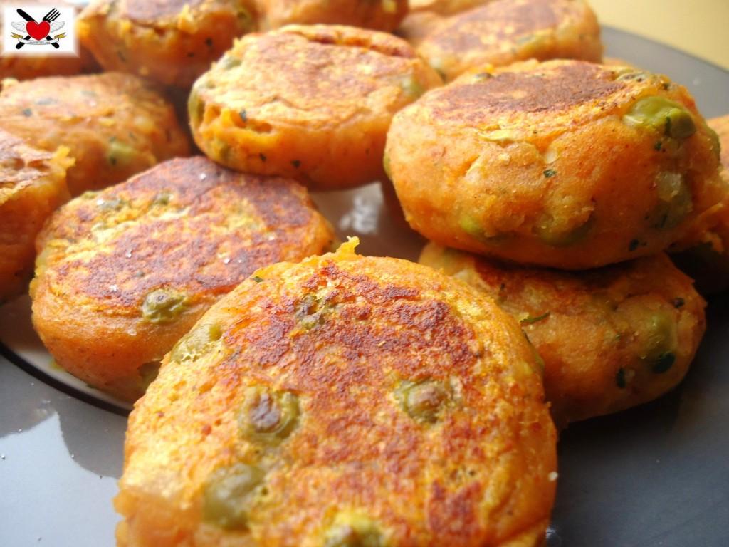 Crocchette con patate e piselli - Aloo Tikki - ricetta indiana