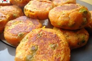 Crocchette con patate e piselli – Aloo Tikki – ricetta indiana