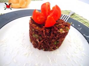 Riso rosso thai con julienne di carote e zucchine - ricetta light