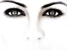 Rimedi naturali contro occhiaie e borse