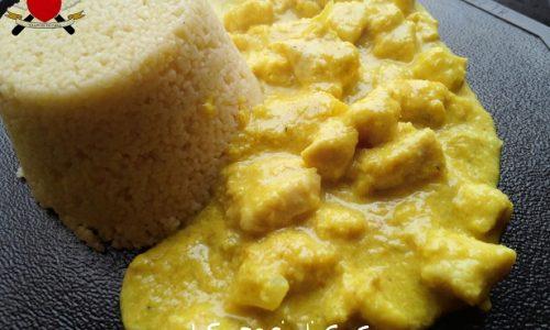 Pollo al curry e latte di cocco con sformatino di cous cous